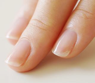 ネイルケア処理後の爪